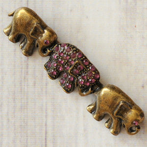 vintage purple rhinestone elephant brooch pin euc